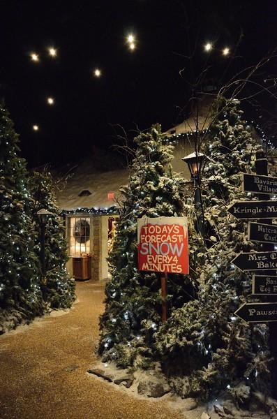 Yankee Candle Christmas Display, MA