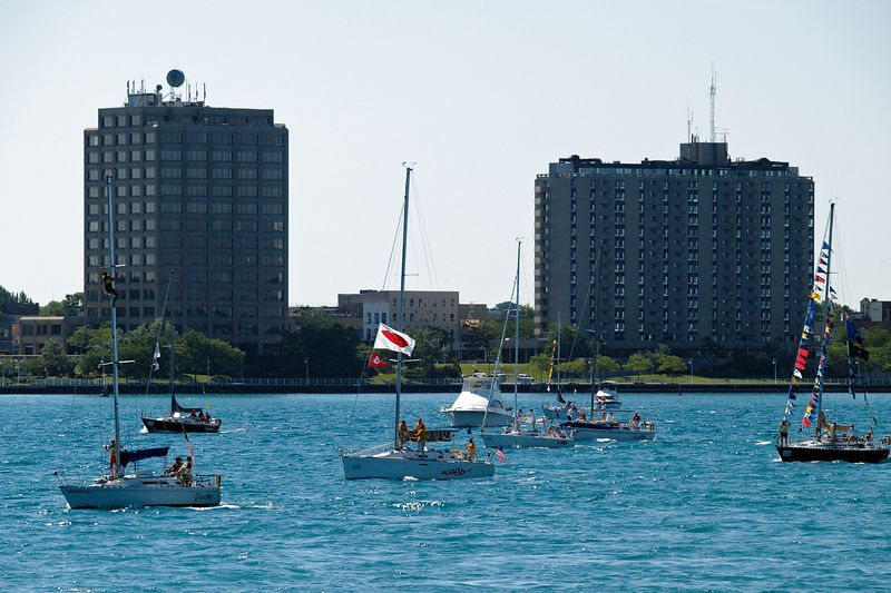 <font size=3>Another group of boats heading out to Lake Huron for the start of the race.</font>
