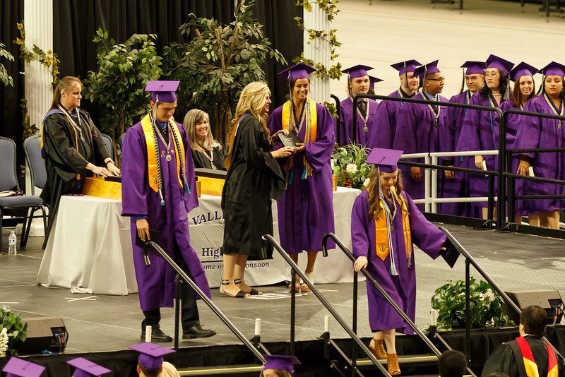 TaylorGraduation-20160524_3064