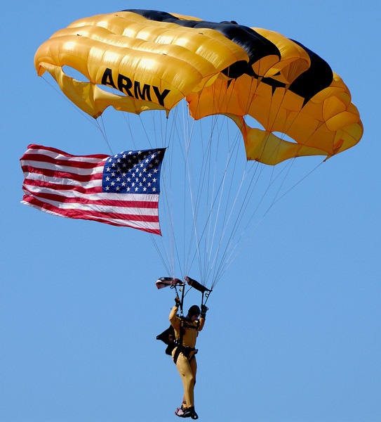 Ready to Touch Down - Golden Knight - Cleveland Air Show