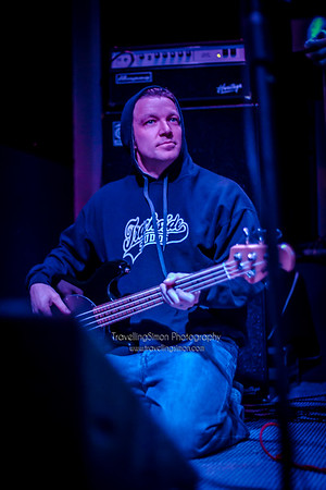 Definitely not the Chilli Peppers Ronnies Macclesfield 27th Dec 2014 travellingsimon com_0013-28