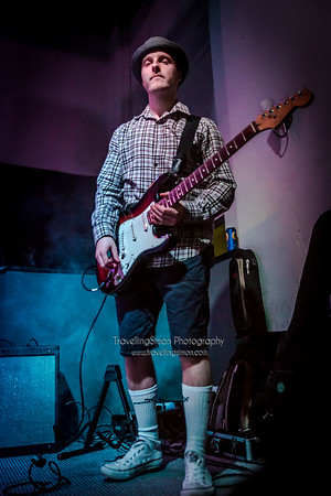 Definitely not the Chilli Peppers Ronnies Macclesfield 27th Dec 2014 travellingsimon com_0013-82