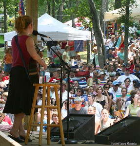 Dar Williams plays in front of a crowd of fans