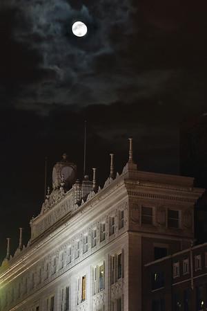 Moon Over May Company - Cleveland Holiday Lights