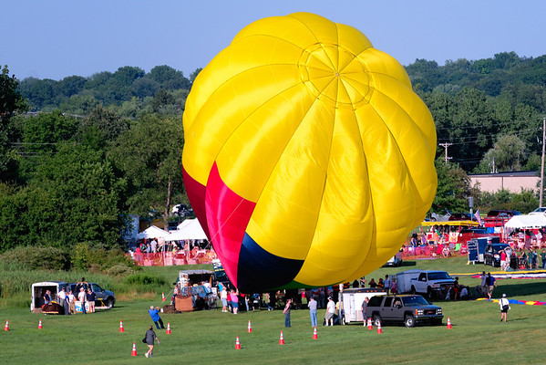 Inflating a Balloon at the Balloon Classic Invitational 2011