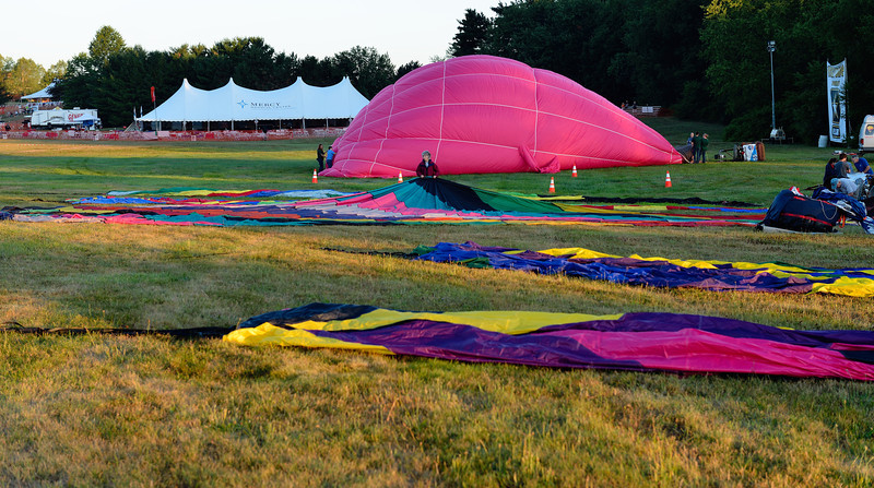 Setting up the Balloons - Balloon Classic Invitational - Morning Launch