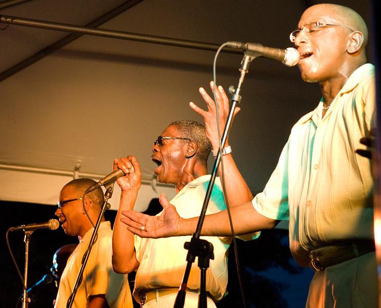 Motown Band - Shout!