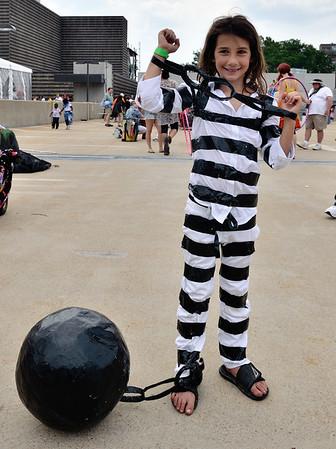 Prisoner - Parade The Circle