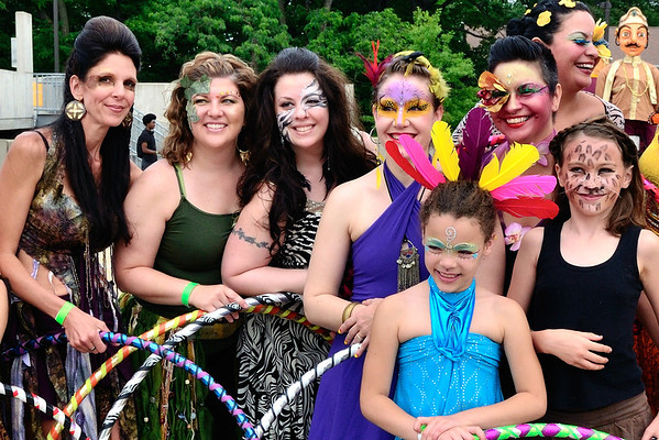 Hoop Girls and a Puppet - Parade The Circle