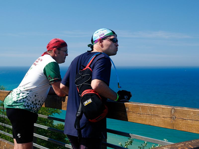 <font size=3>Dave and Gary enjoying the rest and the view after this hill.</font>