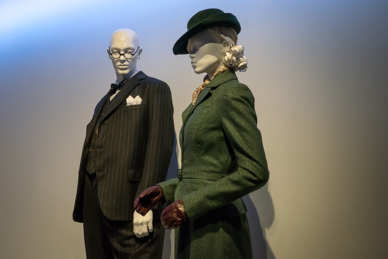 Darkest Hour, costumes by Jacqueline Durran