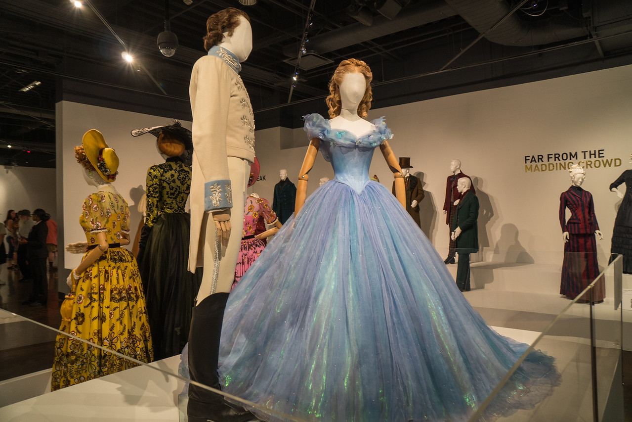 Mannequins representing the Prince and Cinderella at the ball