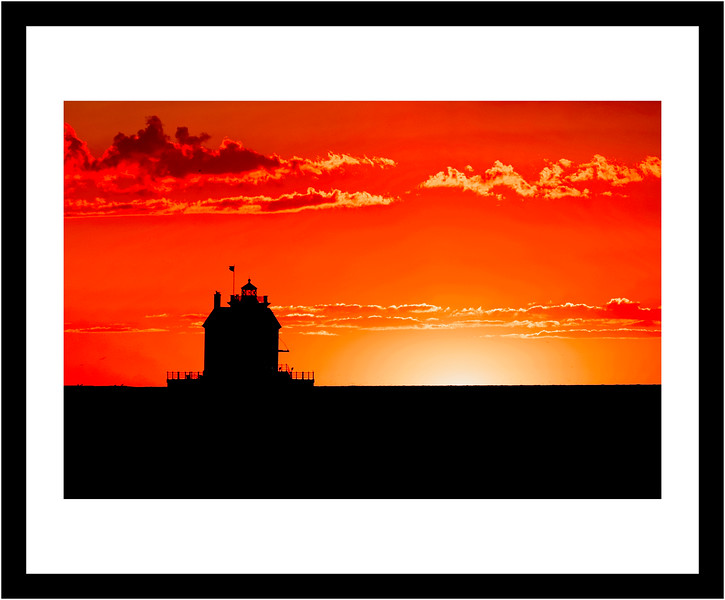 16x20 Frame - 8x12 Matte - Sunset at Lorain Lighthouse