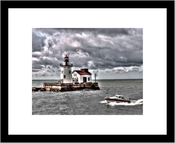 16x20 Frame - 11x17 Matte - Cleveland Harbor West Pierhead Lighthouse