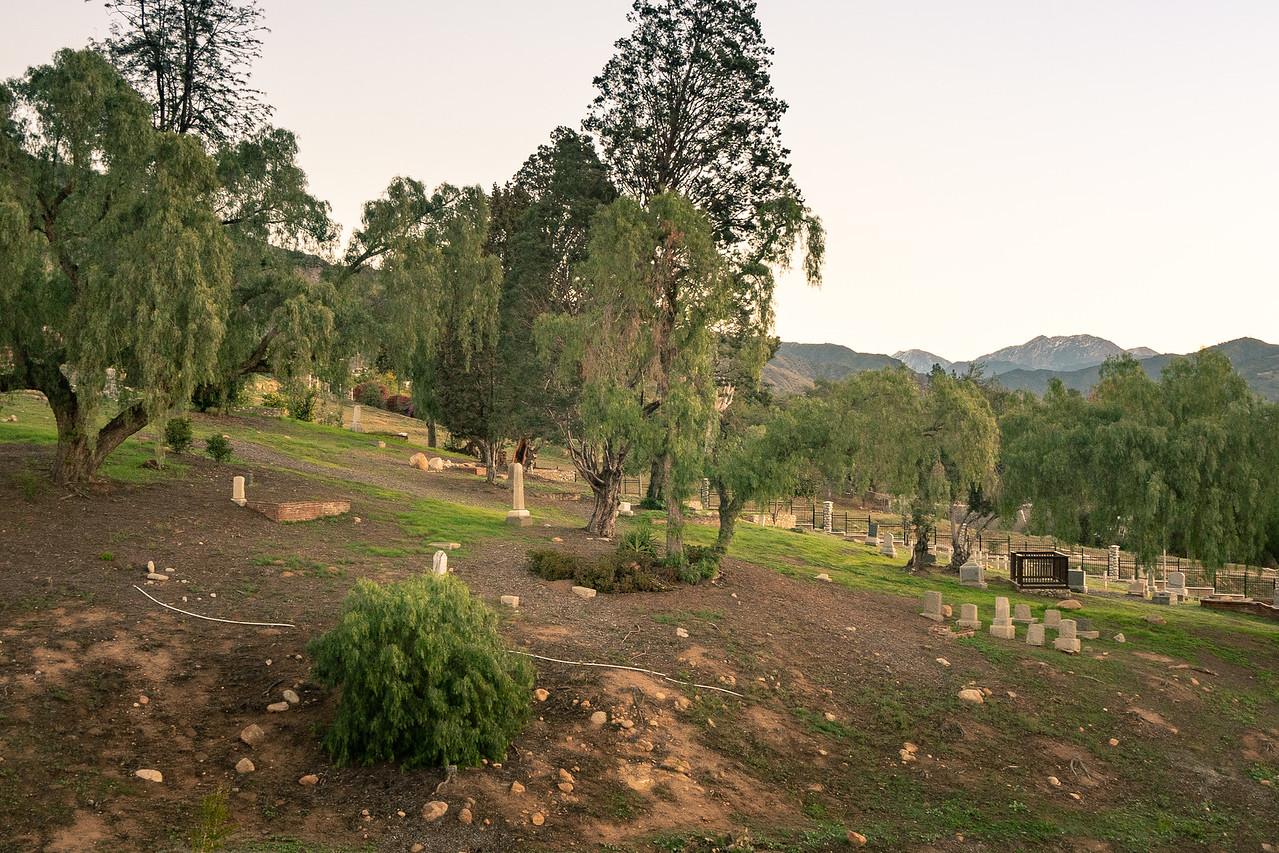Fairmount Cemetery resting against the San Gabriel Mountains