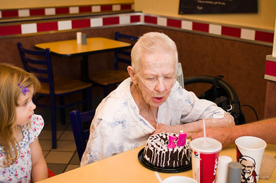 Elizabeth wanted to go to KFC for her 81st birthday in Pittsfield so I called ahead and asked if they had a cake and could sing or just something to make it special. I can not tell you how kind they were. Not only did they prepare a cake and sing but they even hung a banner and had a table all ready for us. Excellent Customer Service!!! A special Thank You To KFC for going above and beyond to help us ensure Elizabeth had a great time!!!
