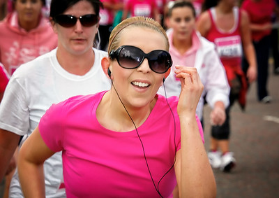 Lynsey running in the The Race for Life 2010