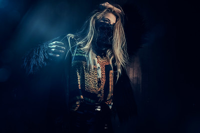 Lois during the A-Z workshop     #sekonic #benQ #xrite #alphapro #instagood #modelphotography #portraitphotography #hensel #hensellighting