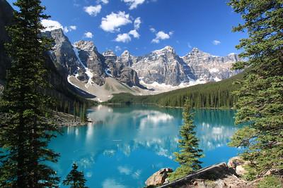 Moraine Lake & Valley of 10 Peaks