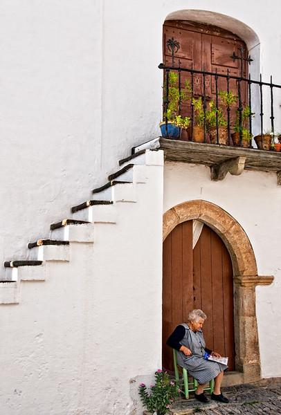 Taking a break, Monsaraz, Portugal