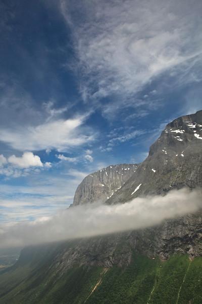 Low hanging cloud in the Trollsvegen valley