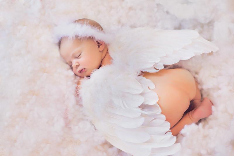 Published in Best Newborn Photographer Magazine in 2015