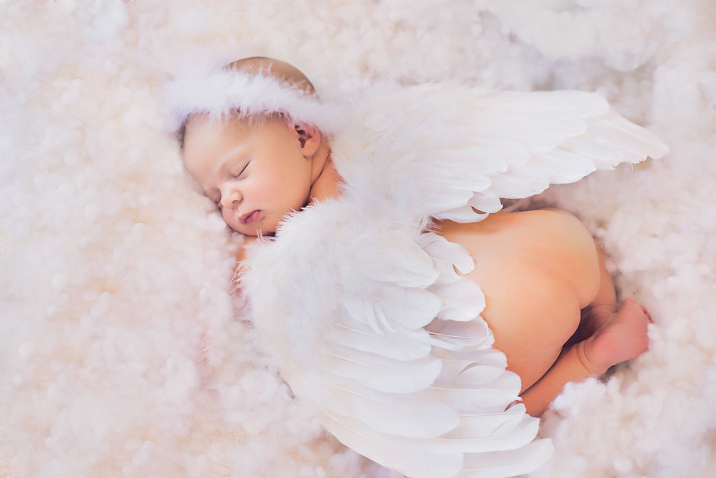 Published in Best Newborn Photographer Magazine in 2015