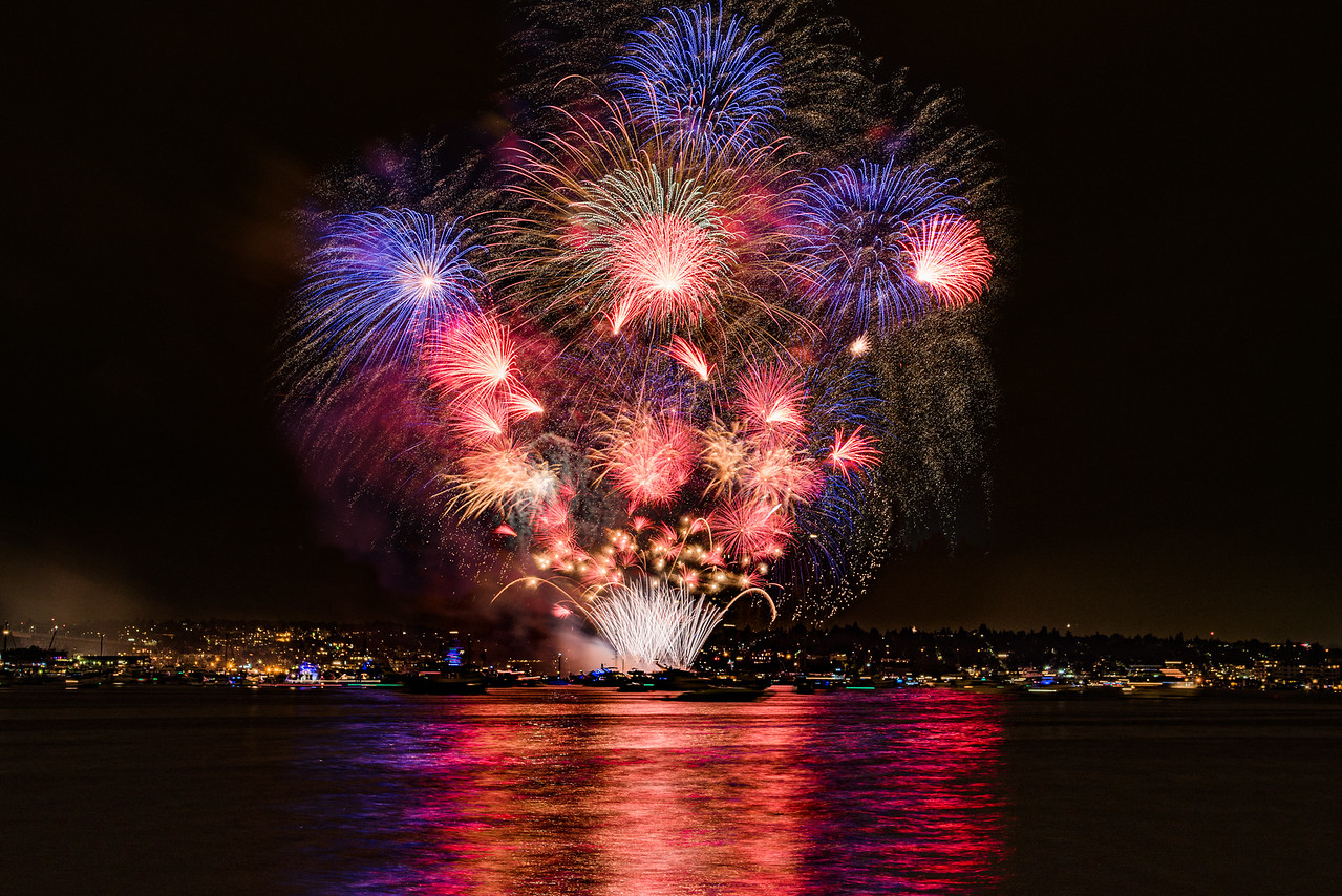 2016 4th of July Fireworks from Lake Union