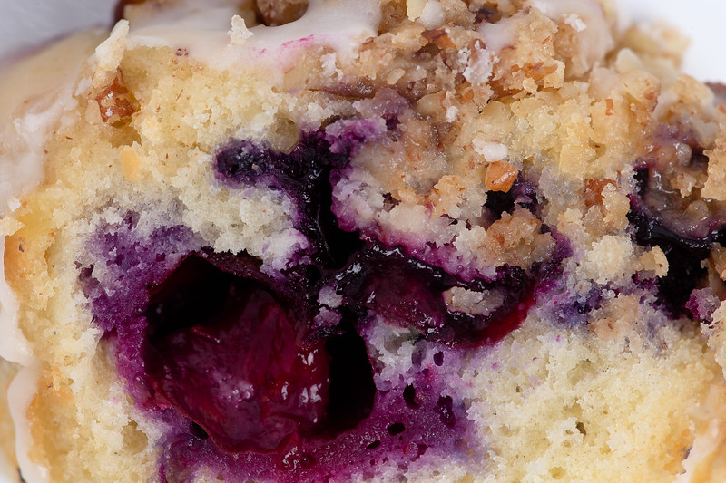 Inside a Crunchy Topped Blueberry Muffin #thebiteshot, #macro