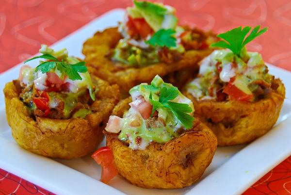 Tostones cups with chicken from Arepa Y Salsa. Photo by Jason R. Terrell.