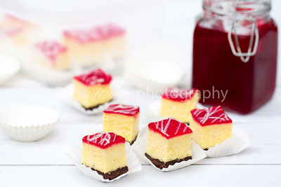 Cranberry White Chocolate Cheesecake Bites