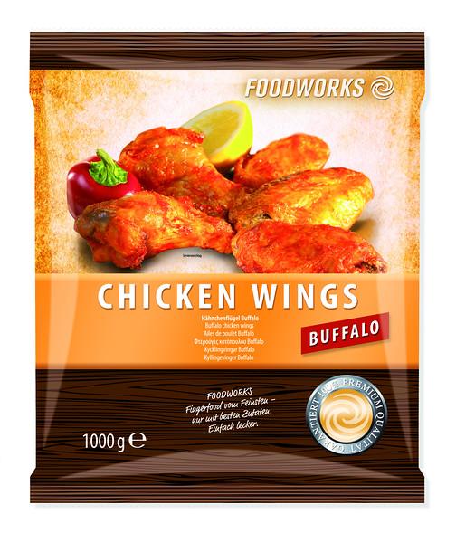 140599 , Chicken Wings Buffalo 1000 g<br /> Buffalo kanatiivad (eelküpsetatud) 40 - 50 g, 10 x 1 kg