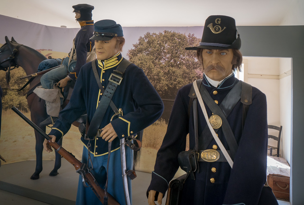 An exhibit displaying uniforms of the 1st U.S. Dragoons at Fort Tejon