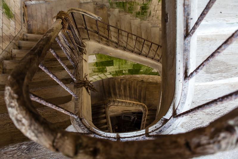 FORT BOYARD. STAIRS. [3]