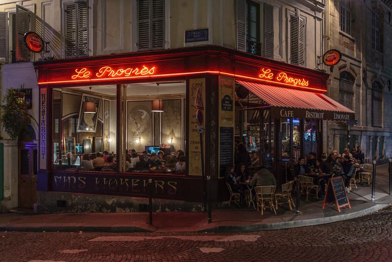 PARIS. CAFE NEXT TO THE SACRE COEUR.