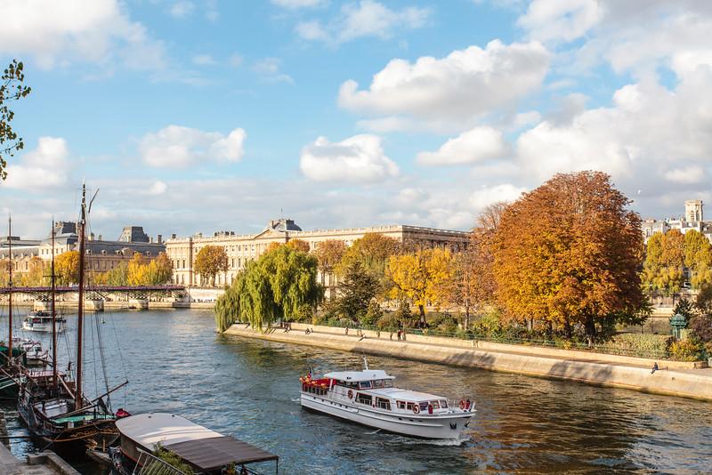 PARIS. THE SEINE.