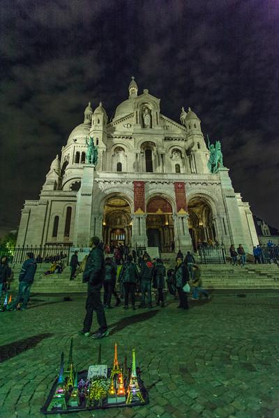 PARIS. SACRE COEUR BY NIGHT.