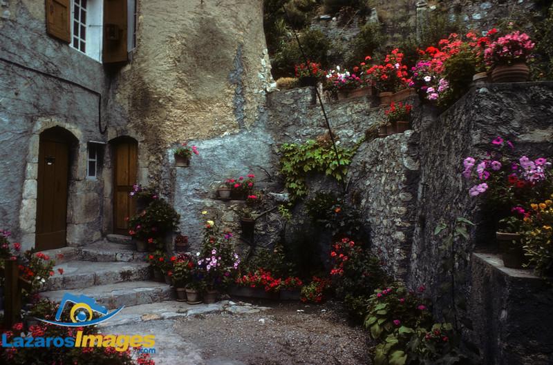 Ore Pierre Village, La Provence