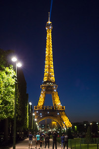 Sparkling Eiffel Tower on the Hour