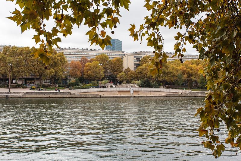 PARIS. BANKS OF THE SEINE.