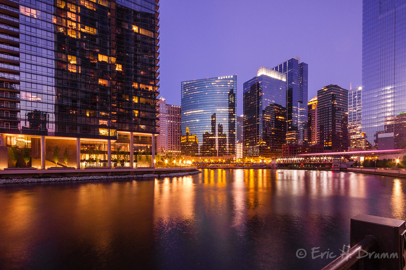 Bend in the Chicago River, IL