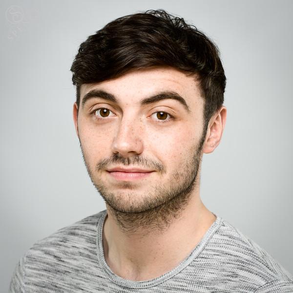 Paul Reilly - actor/ vocalist/ dancer