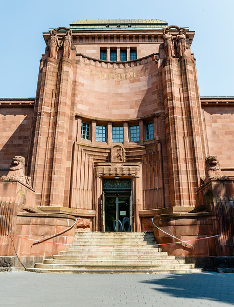Facade of the Kunsthalle Mannheim in the city of Mannheim, Baden-Württemberg, Germany