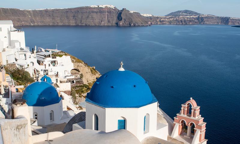 SANTORINI. OIA. IA. THE CYCLADES. GREECE.