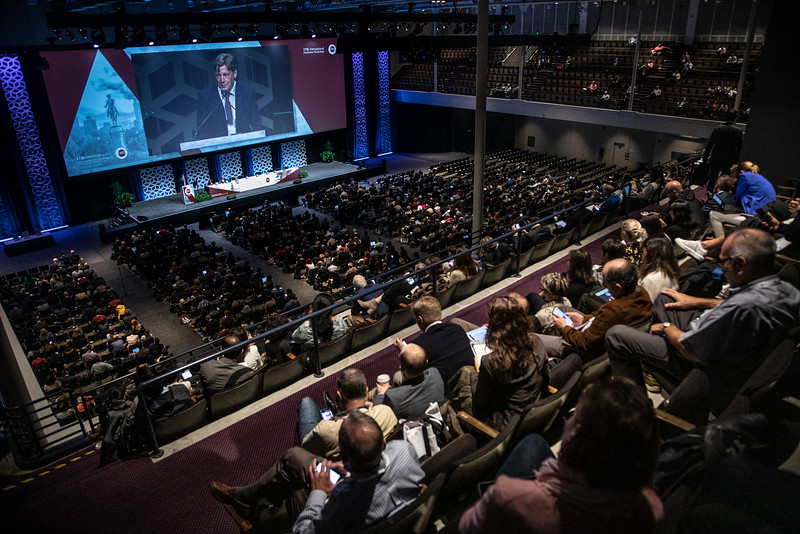 Attendees and speakers Main Plenary Session: Treatment of Newly Diagnosed Myeloma Non-Transplant Eligible