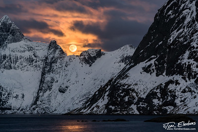 Setting Moon at Hamnøy, Lofoten Islands