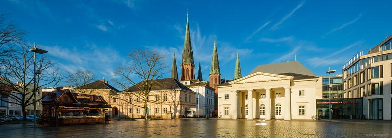 Schlossplatz mit Schlosswache