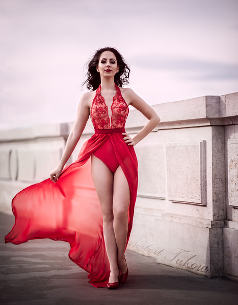 Bogi - Red Dress
