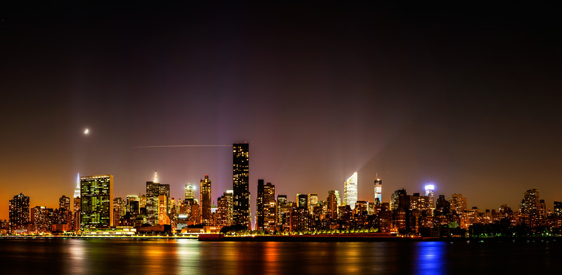 A long lookAt a big city, where being Mooned only makes it more beautiful.(6 image panorama)