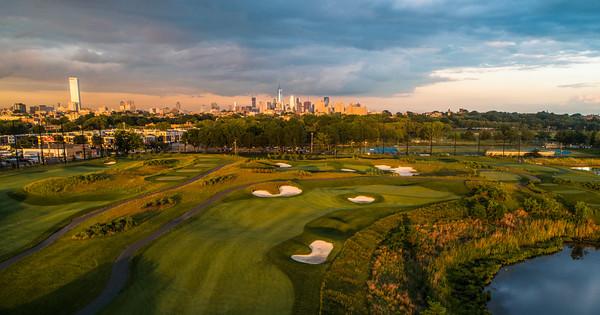 Skyway Golf Course - 18